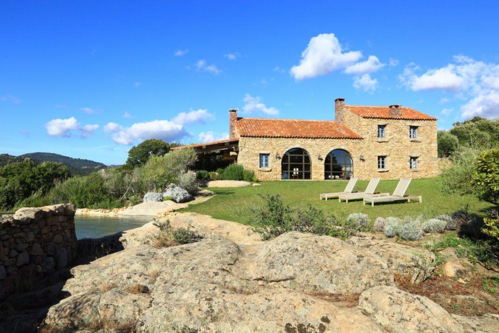 Villa U Fragnu, Domaine de Murtoli, Spring in Corsica