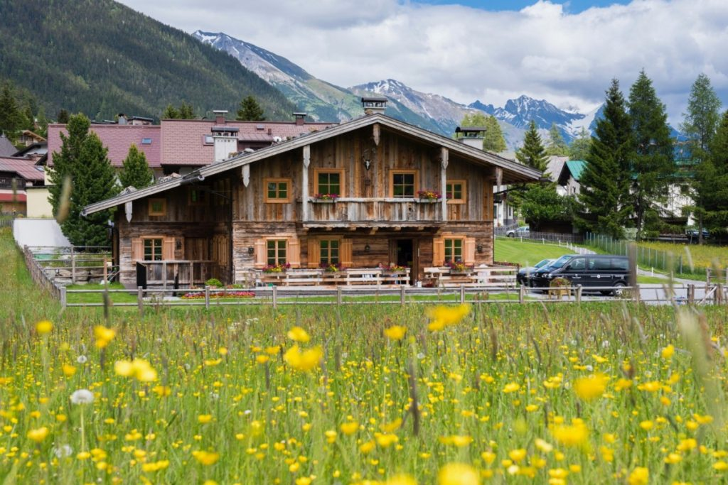 St Anton, Chalet Tschoder, Easter in the Alps
